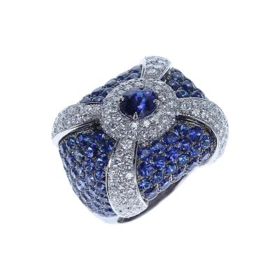 1 27 CARAT SAPPHIRE COCKTAIL RING WITH PAVE SAPPHIRES AND DIAMONDS 18K GOLD