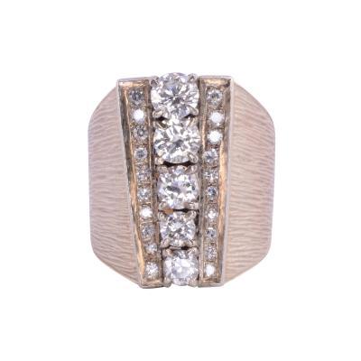 1 92 Carat Total Weight Diamond 18K Gold Ring