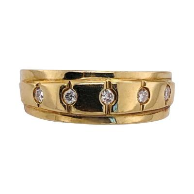 14 Karat Yellow Gold Ring Wedding Band with Five Diamonds 35 Carat
