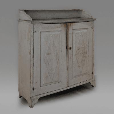 Cupboard 1830