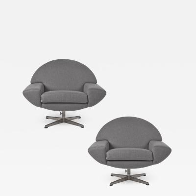 Johannes Andersen Pair of 1960s Johannes Andersen Capri Swivel Chairs