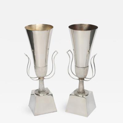Tommi Parzinger Pair of Tommi Parzinger Urn Table Lamps