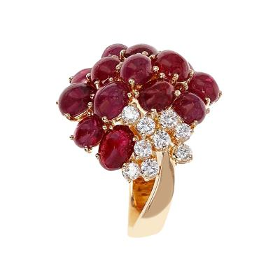 16 RUBY CABOCHON CLUSTER RING WITH 9 ROUND DIAMONDS 18 KARAT YELLOW GOLD