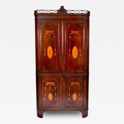 1860s Hepplewhite Mahogany Corner Cabinet