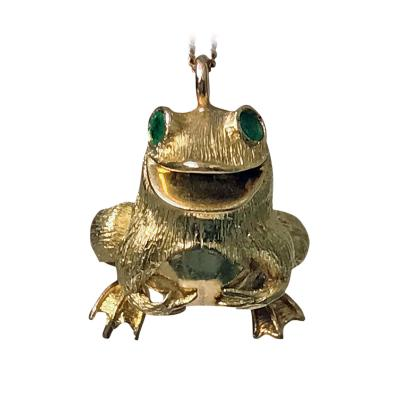 18K Yellow Gold and Emerald Frog Pendant 20th Century