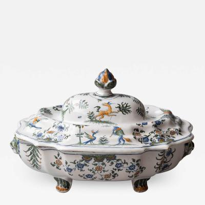 18TH CENTURY POLYCHROME FAIENCE SOUP TUREEN