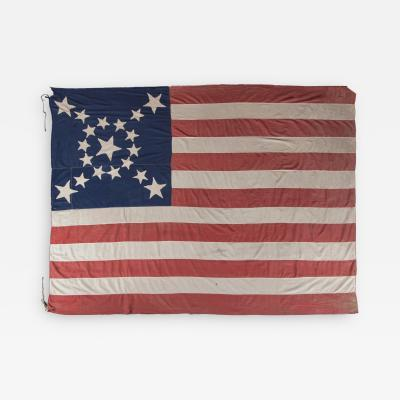 19 STARS IN AN SPECTACULAR STARBURST MEDALLION UNIQUE TO THIS FLAG