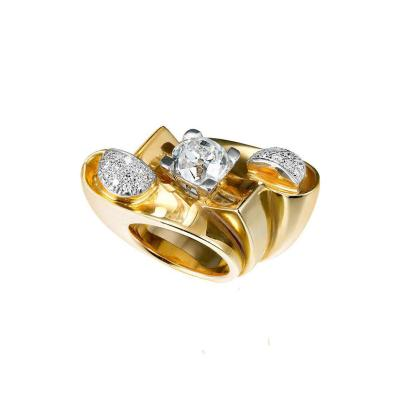 1940s French Retro Impressive Diamond Yellow Gold Platinum Ring