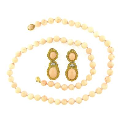 1960 s Coral Beads Necklace and Earrings Suite