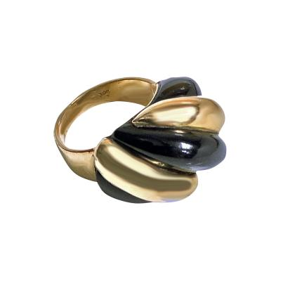 1960s 18K Rose Gold and Black Onyx Swirl Fluted Ring