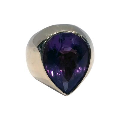 1970 s 18K Amethyst large Ring