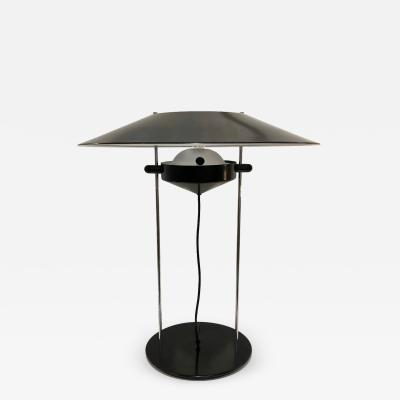 1970s Italian Design Adjustable White and Black Lacquer Metal Minimalist Lamp