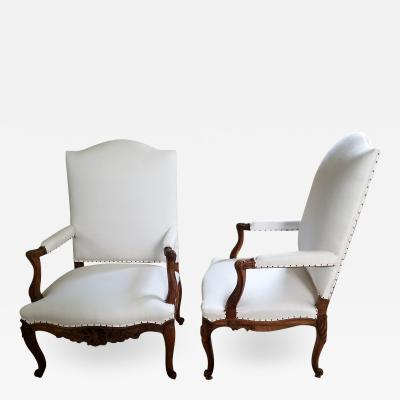 19TH C WALNUT LOUIS XV ARMCHAIRS PAIR