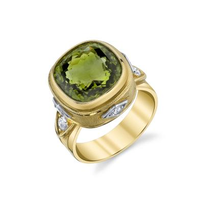 8 15 Carat Peridot and Diamond 18 Karat Yellow Gold Ring