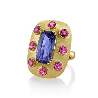 8 61 Carat Cushion Shape Tanzanite Spinel 18k Yellow Gold Ring
