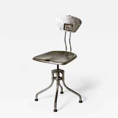 A Flambo Metal Chair