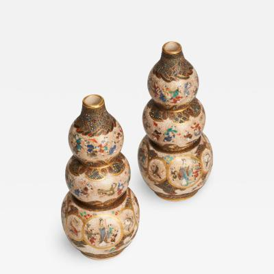 A PAIR OF JAPANESE MINIATURE TRIPLE GOURD SHAPED SATSUMA VASES