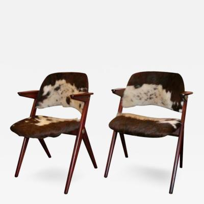 A Pair of Modernist Arm Chairs by Elias Svedberg