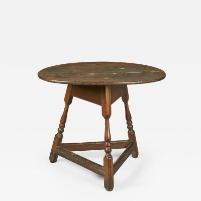 A Pennsylvania or New Jersey Pine and Maple Oval Splay Leg Table