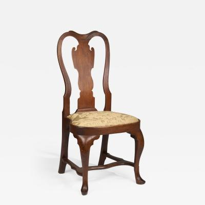 A Philadelphia Queen Anne stretch base compass seat walnut side chair