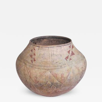 A Rare American Indian Zuni Pueblo Earthenware Pot