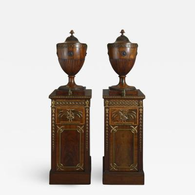 A SERIOUS PAIR OF CHIPPENDALE PERIOD DINING ROOM URNS ENGLISH CIRCA 1770