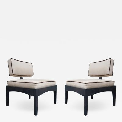 A pair of armchairs in the style of Baughman Italy 90