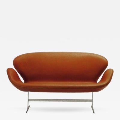 AJ 3321 Swan Sofa