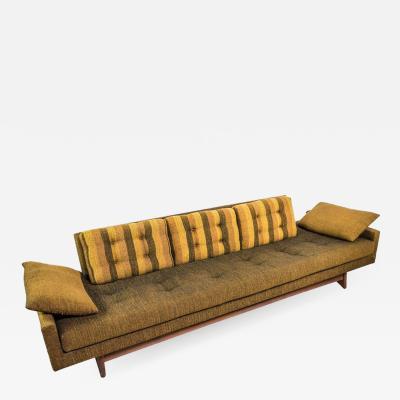 Adrian Pearsall Adrian Pearsall Gondola Sofa for Craft Associates in original condition 2408