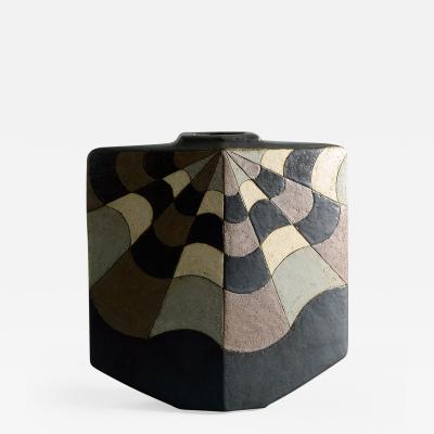 Antje Bruggemann Breckwoldt Antje Bruggemann Breckwoldt vase with geometric pattern