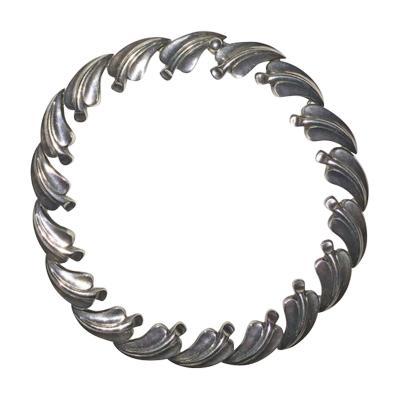 Antonio Pineda Antonio PIneda necklace with leaf design