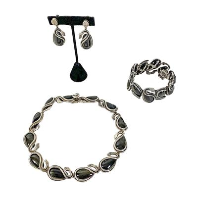 Antonio Pineda Antonio Pineda necklace bracelet earrings set swan design