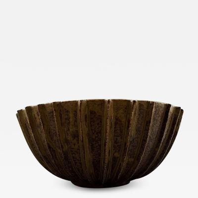 Arne Bang Arne Bang Very large bowl of stoneware with fluted body with brown green glaze