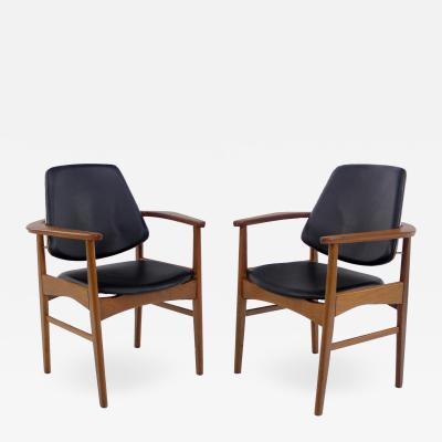 Arne Hovmand Olsen Pair of Scandinavian Modern Armchairs Designed by Arne Hovmand Olsen