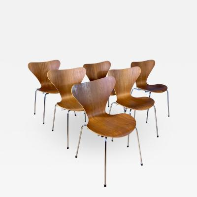 Arne Jacobsen 1978 Set of Arne Jacobsen Series 7 Teak Dining Chairs Fritz Hansen Denmark