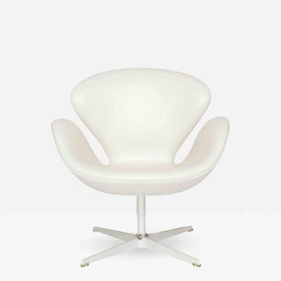Arne Jacobsen 3120 The Swan Jubilee Model