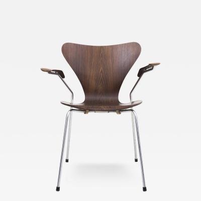 Arne Jacobsen AJ 3207 Armchair