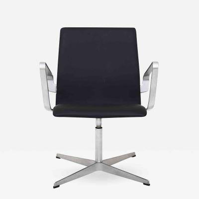 Arne Jacobsen AJ 3241 Oxford Lounge Chair