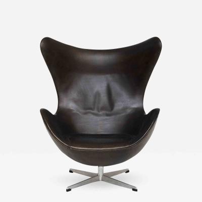 Arne Jacobsen AJ 3316 Egg Chair in Original Leather
