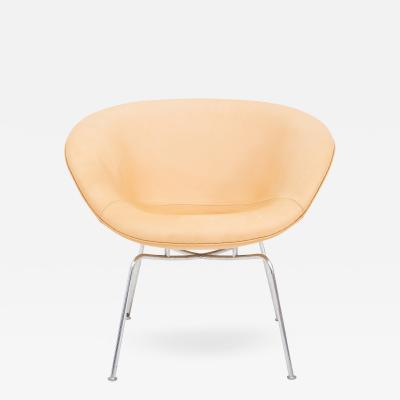 Arne Jacobsen AJ 3318 The Pot Chair
