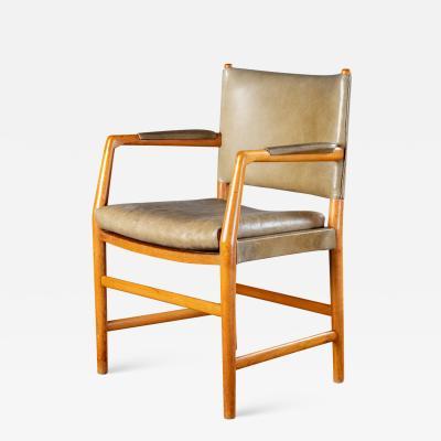 Arne Jacobsen ARNE JACOBSEN ARMCHAIR