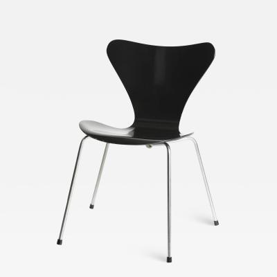 Arne Jacobsen Arne Jacobsen 3107 Fritz Hansen single chair black