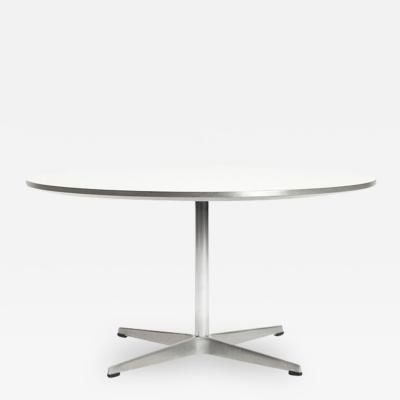 Arne Jacobsen Arne Jacobsen 60s Club Table Fritz Hansen Model 3513