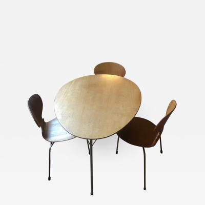 Arne Jacobsen Arne Jacobsen Egg Table and 3 Ant Chairs by Arne Jacobsen