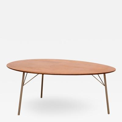 Arne Jacobsen Arne Jacobsen Egg table low