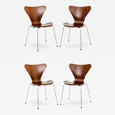 Arne Jacobsen Arne Jacobsen Set of Four 3107 Chairs in Rosewood