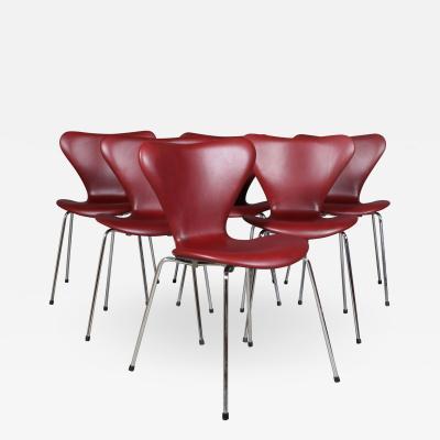 Arne Jacobsen Arne Jacobsen Set of six chairs Sevens Indian red elegance leather high model