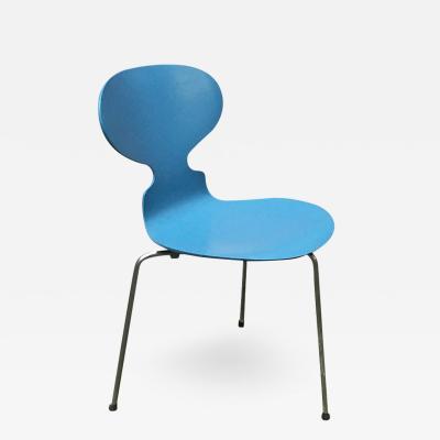 Arne Jacobsen Blue curved Ant chair by Arne Jacobsen for Fritz Hansen 1970s