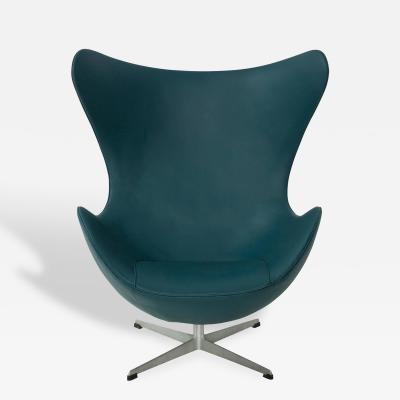 Arne Jacobsen Early Arne Jacobsen Egg Chair for Fritz Hansen in Teal Spinneybeck Leather