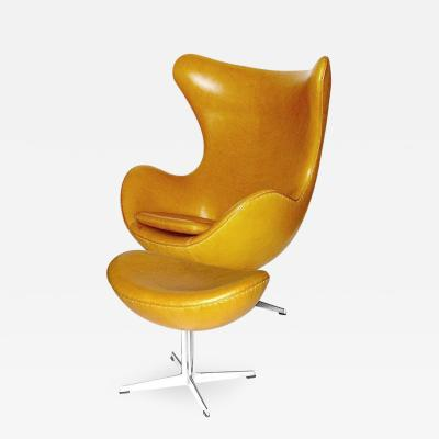 Arne Jacobsen Early Arne Jacobsen Egg Chair with Ottoman in Golden Tan Leather